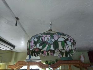 Nice Tiffany hanging lamp shade for Sale in Fort Lauderdale, FL