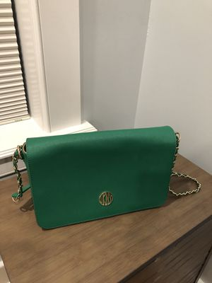 DKNY green purse for Sale in Secaucus, NJ