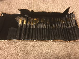 Makeup brushes and bag for Sale in Attleboro, MA