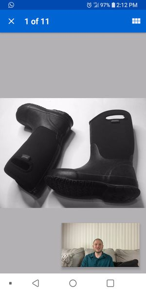 bogs winter boots 3 y snow boots kids for Sale in Bolingbrook, IL
