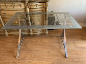 Glass Computer desk for Sale in Los Angeles, CA