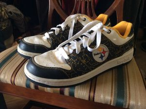 LIKE NEW 10 1/2 Steelers Reebok Shoes for Sale in Canonsburg, PA