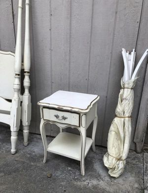 Free Dixie Antique Twin Canopy Bed and Nightstand for Sale in Alhambra, CA