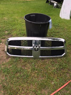 2016 2017 2018 Dodge Ram 1500 Grille good condition OEM for Sale in Houston, TX