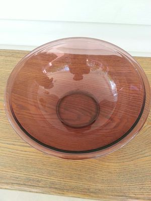 """Pyrex 11"""" 4.0 L Originals Cranberry Amethyst Mixing Bowl 326 for Sale in Cuyahoga Falls, OH"""