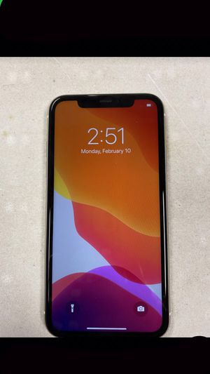 iPhone 11 white for Sale in Portland, OR