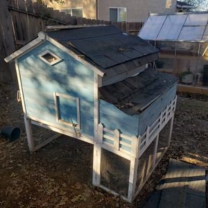 Chicken coop for Sale in Antelope, CA
