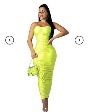 Neon yellow dress size medium for Sale in Corona, CA