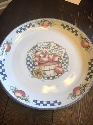 Set of 4 large dinner plates for Sale in Goose Creek, SC