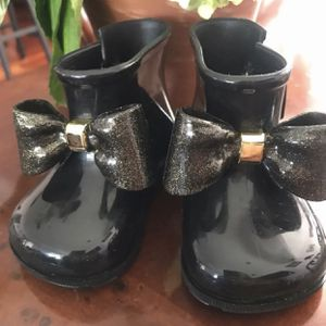Mini Melissa Black Boots size 6 for Sale in Gardena, CA