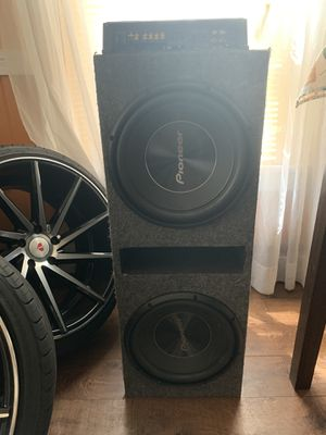 Amp and subs $300 for Sale in Meriden, CT