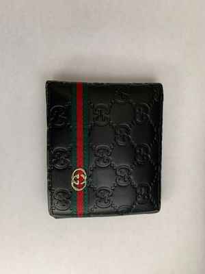 Lightly used Men's Gucci wallet for Sale in Pleasanton, CA