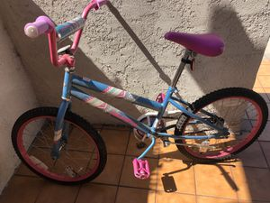 18' girls bike. Gently used. for Sale in San Diego, CA