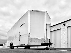 SUPER 28FT Enclosed Cargo Trailer Height 8.5 ft for Sale in Irvine, CA