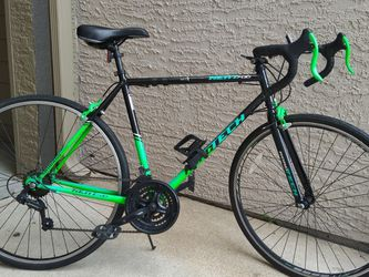 ** Kent 700c RoadTech Mens Road bike- Good Condition ** for Sale in Pearland,  TX