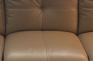 Power Recliner Leather Couch for Sale in Southfield,  MI