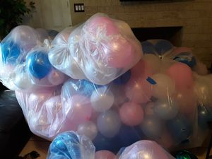 Anyone need or want balloons for a up coming party? (party should be soon) You can have them for free. You have come get them. for Sale in Wahneta, FL