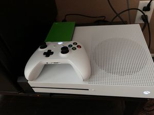 Xbox One S 1tb with rechargable battery pack, one controller and 2tb ssd drive for Sale in Ceres, CA