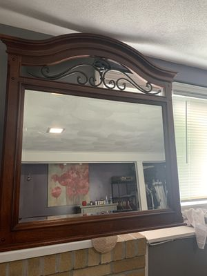 Dresser Mirror for Sale in Randolph, MA