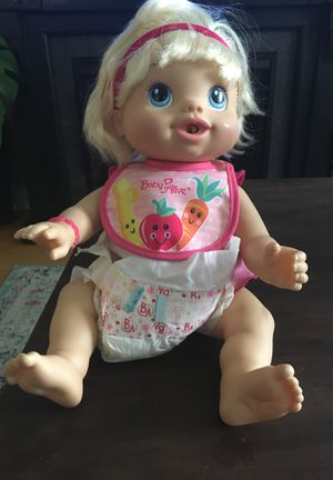 Baby doll for Sale in Melrose Park, IL