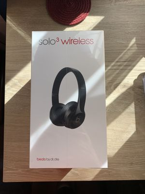 Beats Solo 3 wireless for Sale in Montclair, CA