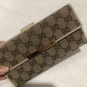 All Perfect All GUCCI Brown Women's Wallet for Sale in Norwalk, CA