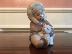 Lladro figurine for Sale in Haddam, CT