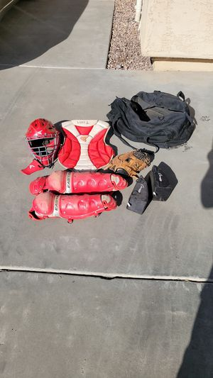 Catcher's gear for Little Leaguer for Sale in Gilbert, AZ