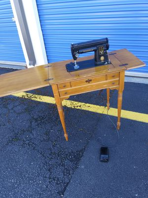 Antique Sewing table for Sale in Oxon Hill, MD