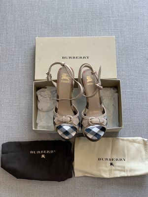 Burberry Italian Made/ Platform Heel for Sale in Anaheim, CA