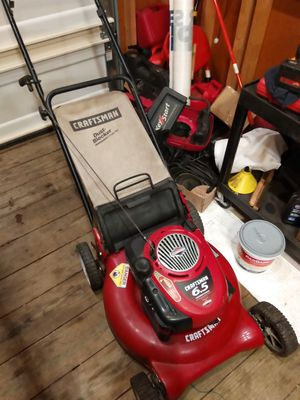 Craftsman push lawnmower with bag $80 for Sale in Brunswick, OH