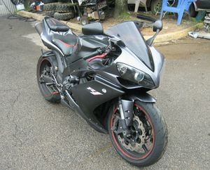 For Sale. 2007 Yamaha YZF-R Great Shape. 1000cc. for Sale in New York, NY