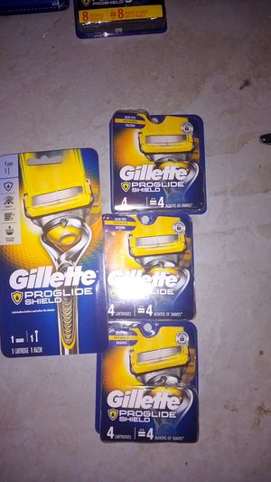 Gillette proglide shield with 1 year of cartridge for Sale in Falmouth, ME
