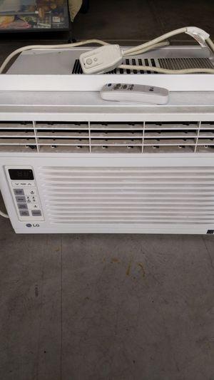 LG 6000 BTU Window AC Unit for Sale in Irvine, CA