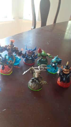 Skylanders swapforce xbox360 game/characters/portal for Sale in Roy, WA