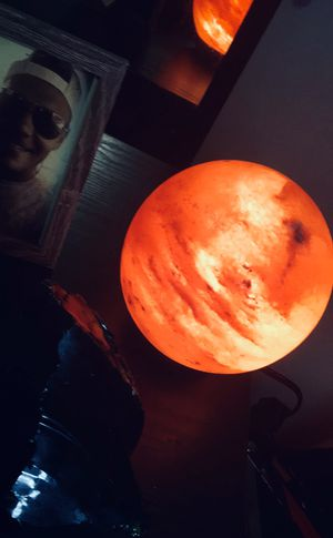Natural Himalayan shear salt lamp! for Sale in Commiskey, IN