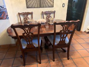 Wooden dining room tables with 6 chairs and two extensions for Sale in Miami, FL