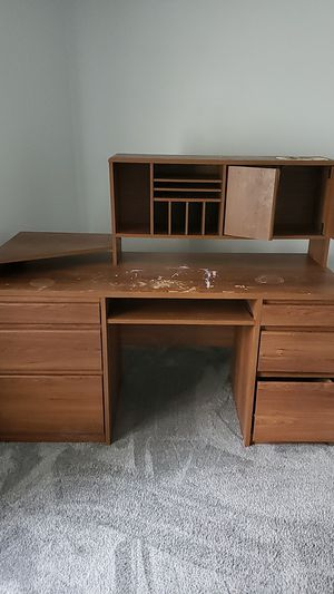 """A big desk 59""""×46""""×23.5"""" for Sale in Arlington Heights, IL"""