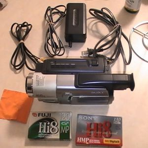 Sony Handycam CCD-TRV68 Hi8 Camcorder (Bundle) - Great Condition - Fully TESTED for Sale in Portland, OR