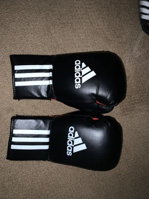 Adidas 12oz Boxing Gloves for Sale in Chula Vista, CA