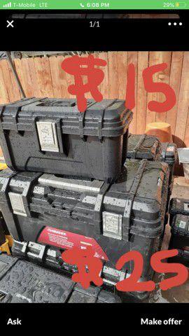 dewalt tools box set husky tool chest caja de herramienta rollaway drawer craftsman stanley keys and bar locking ryobi for Sale in San Bernardino, CA