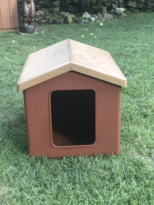 Fiberglass dog house for Sale in Wayne, NJ