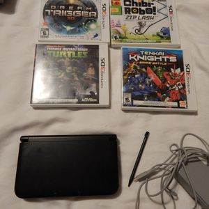 Nintendo 3ds xl with games for Sale in Greenville, PA