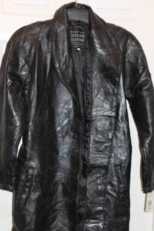 Women's Large Max Leather Coat long for Sale in Kissimmee, FL