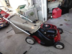 Snapper lawn mower with bagger for Sale in Wichita, KS
