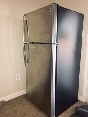 GE Appliances Refrigerator for Sale in Herndon, VA