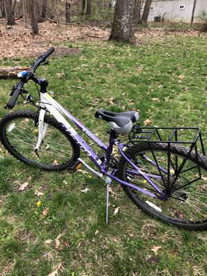 Giant Mountain Bike for Sale in Trenton, NJ