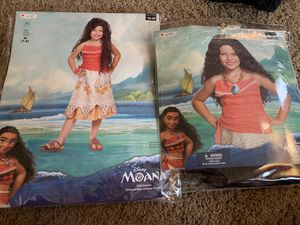 Moana costume set with wig for Sale in Vancouver, WA