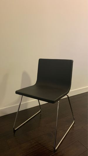 Dining Chairs - Very good condition for Sale in Santa Ana, CA