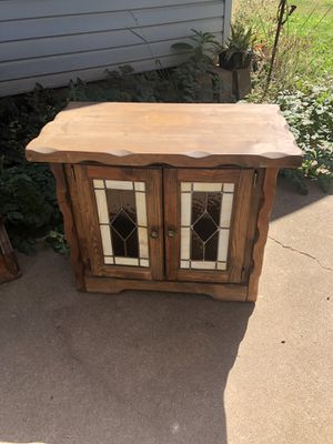 1970s Night stand with Stained Glass doors for Sale in Chico, CA
